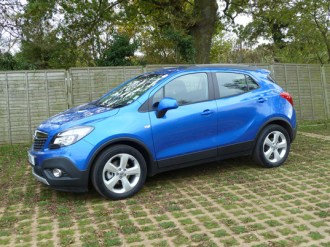 The side view of the Mokka shows the large doors, which open wide to give easy access to the generously-proportioned interior.
