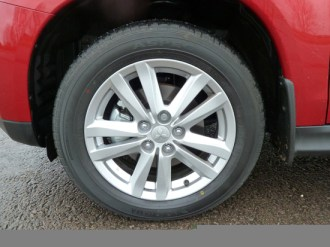Aluminium alloy road wheels feature on all ASX versions; this is the top-line ASX 4.