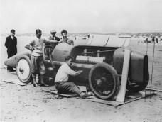 Preparing the Sunbeam for its record run at Pendine in 1925