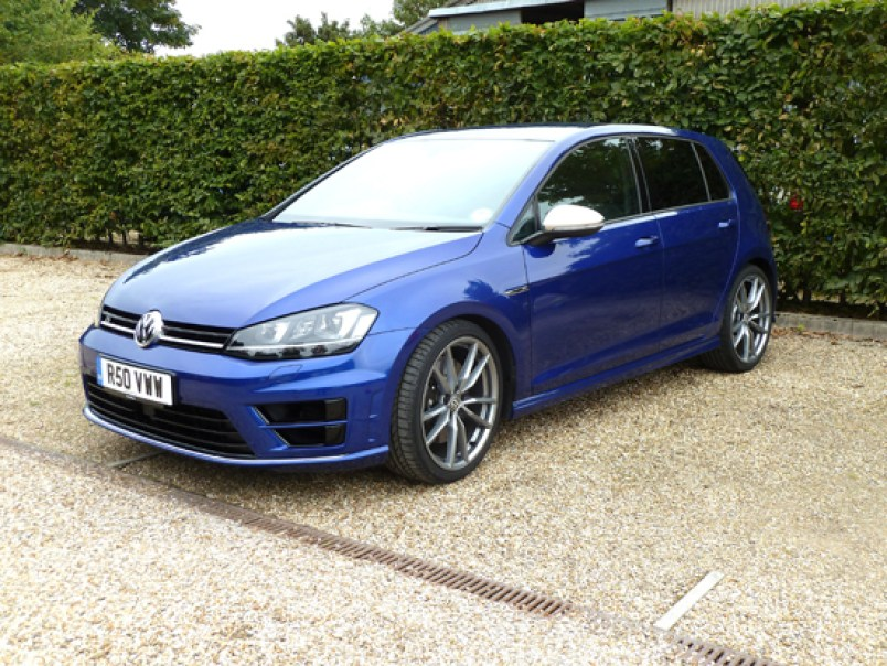 The new Golf R looks the part, but in an under-stated manner. Brilliantly done, in fact.