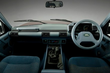The neat facia and 'control centre' for the first Discovery is very much of its time in the late 1980s. (Photo courtesy Land Rover).