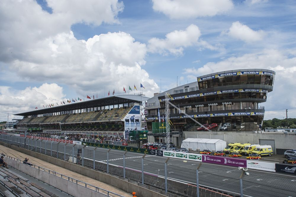 Le Mans Race Control and main grandstand on start/finish straight.