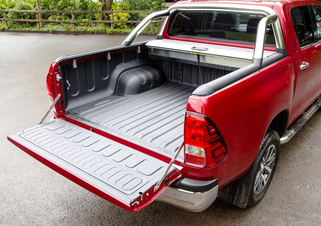 Toyota new Hilux Double Cab, larger and stronger load bed copy