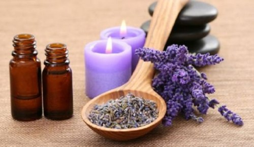 Essential oils and candles for stress and anxiety relief