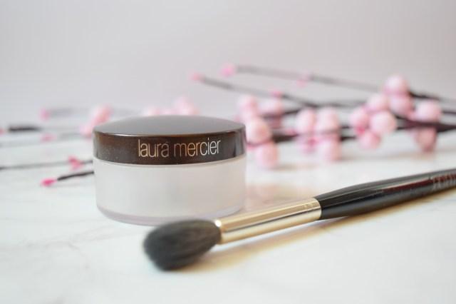 Laura Mercier Secret Brightening Powder Review