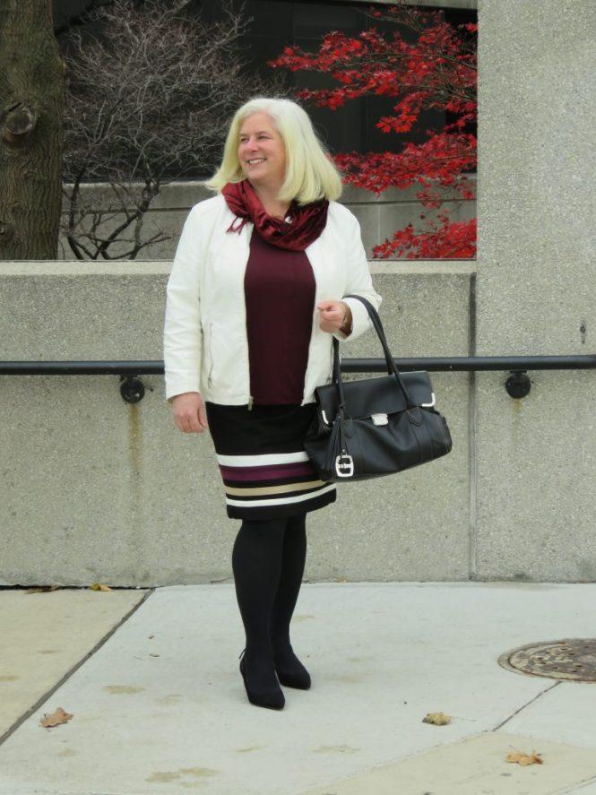 Fun Striped Skirt for Apple Shapes - www.whenthegirlsrule.com