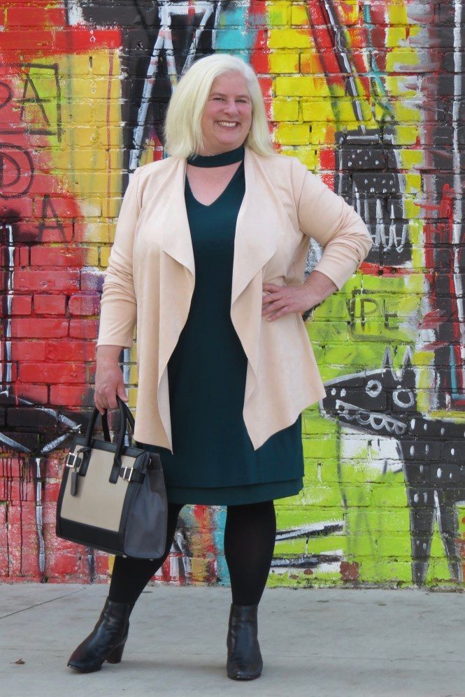 Spring Dress & Jacket that are flattering for women over 40 who are apple shaped! #over40 #plussize #springoutfit