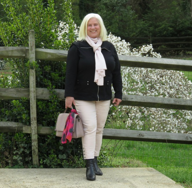 Spring outfit for apple shaped women over 40!