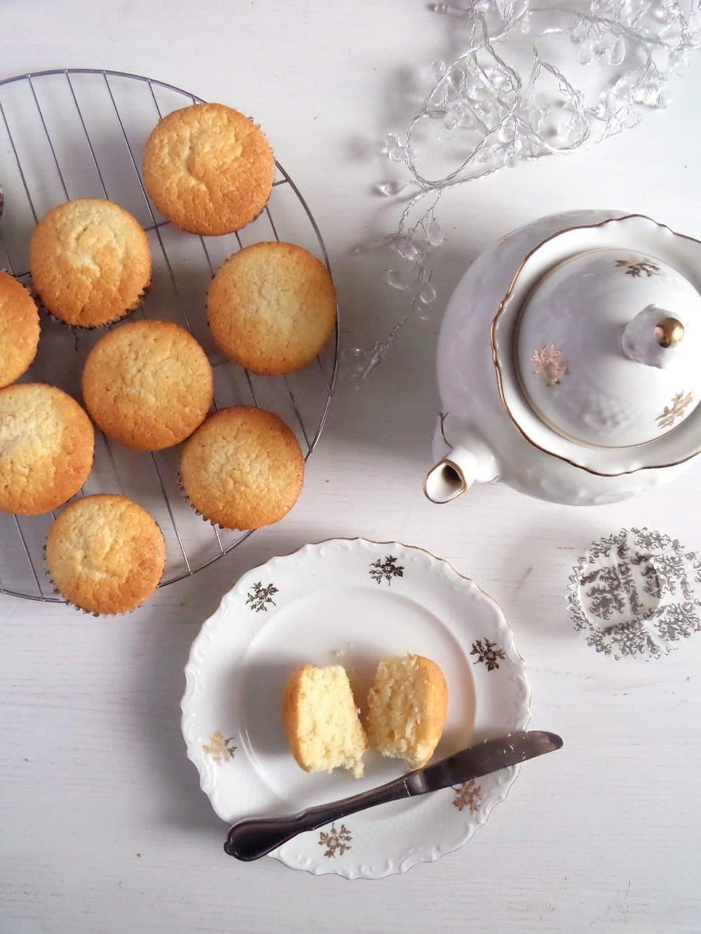 sour cream muffins Sour Cream Muffins