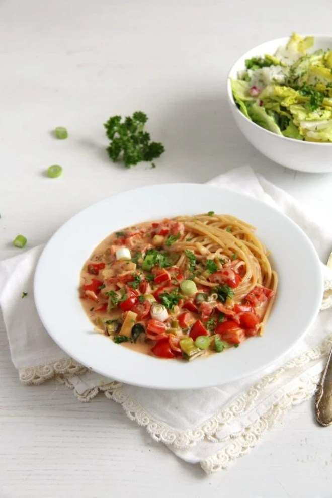 spaghetti green onion cream 683x1024 Spaghetti with Skinny Green Onion Sauce
