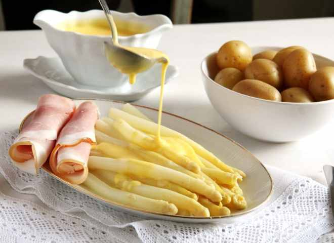 asparagus hollandaise White Asparagus with Sauce Hollandaise and Ham   German Recipe