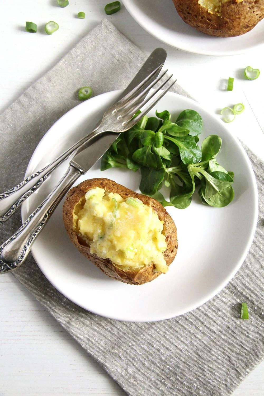 jacket potatoes scallions Easy Jacket Potatoes with Cheese