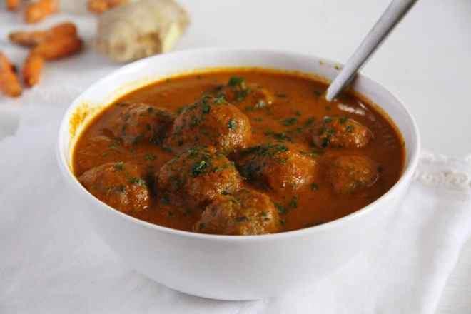 Turkey Meatballs in Turmeric Sauce