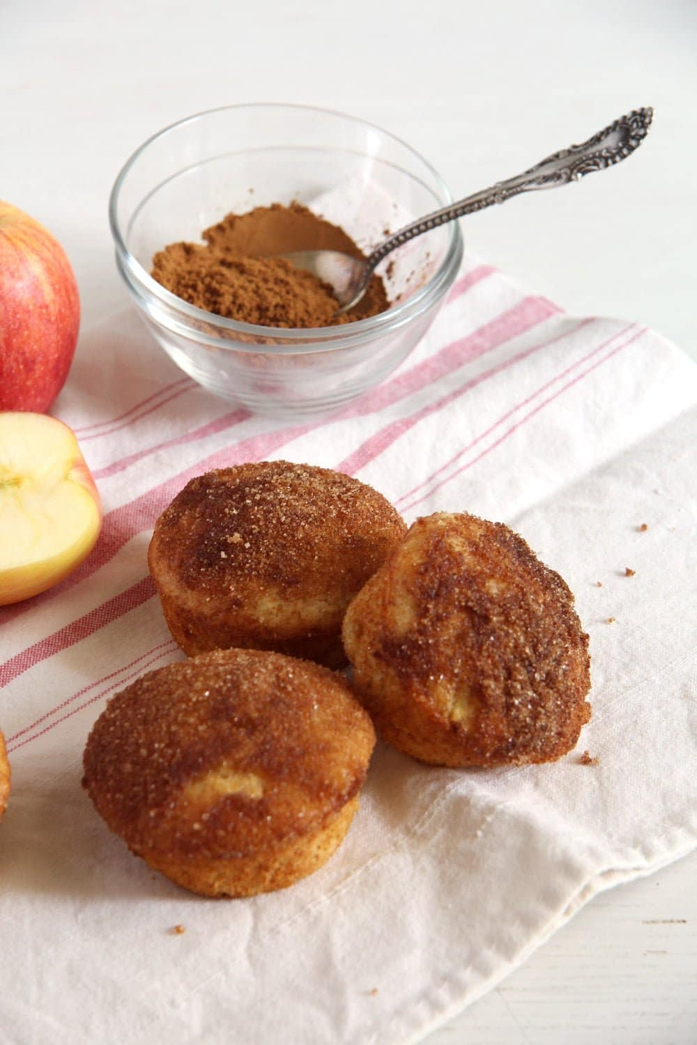 apple doughnuts muffins Apple Doughnut Muffins