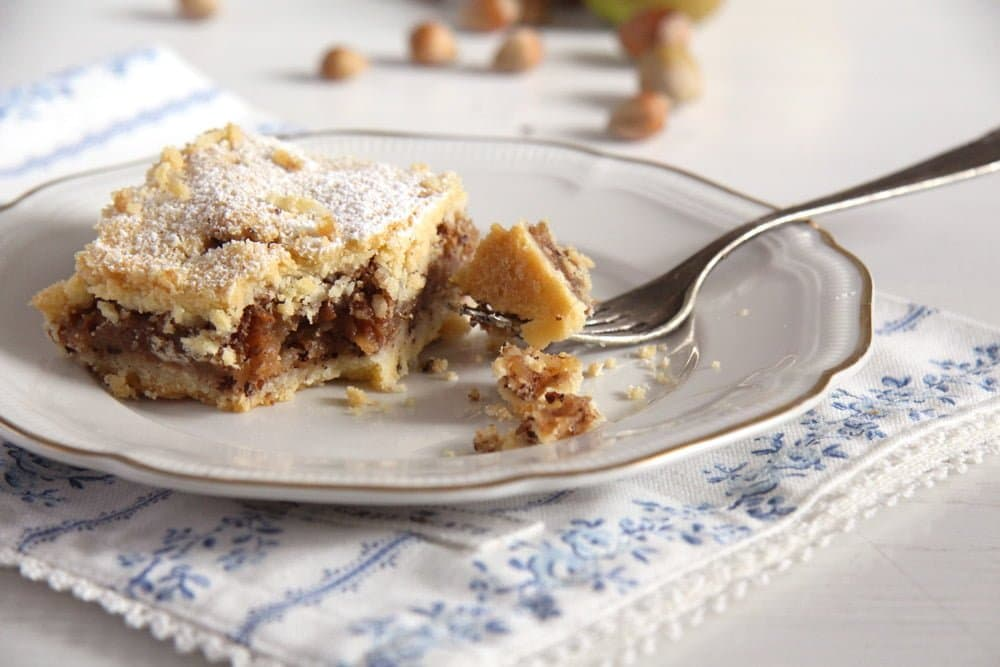 apple hazelnut cake Flaky Apple Hazelnut Pie with Cinnamon