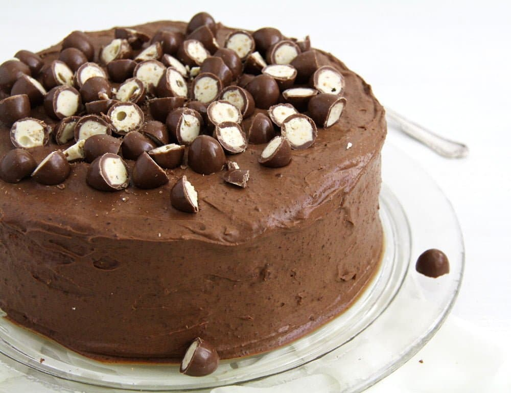 schoko bons torte Schoko Bons Torte with Hazelnuts and Mascarpone Filling