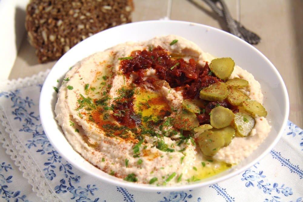bean dip Romanian White Bean Dip – Fasole batuta