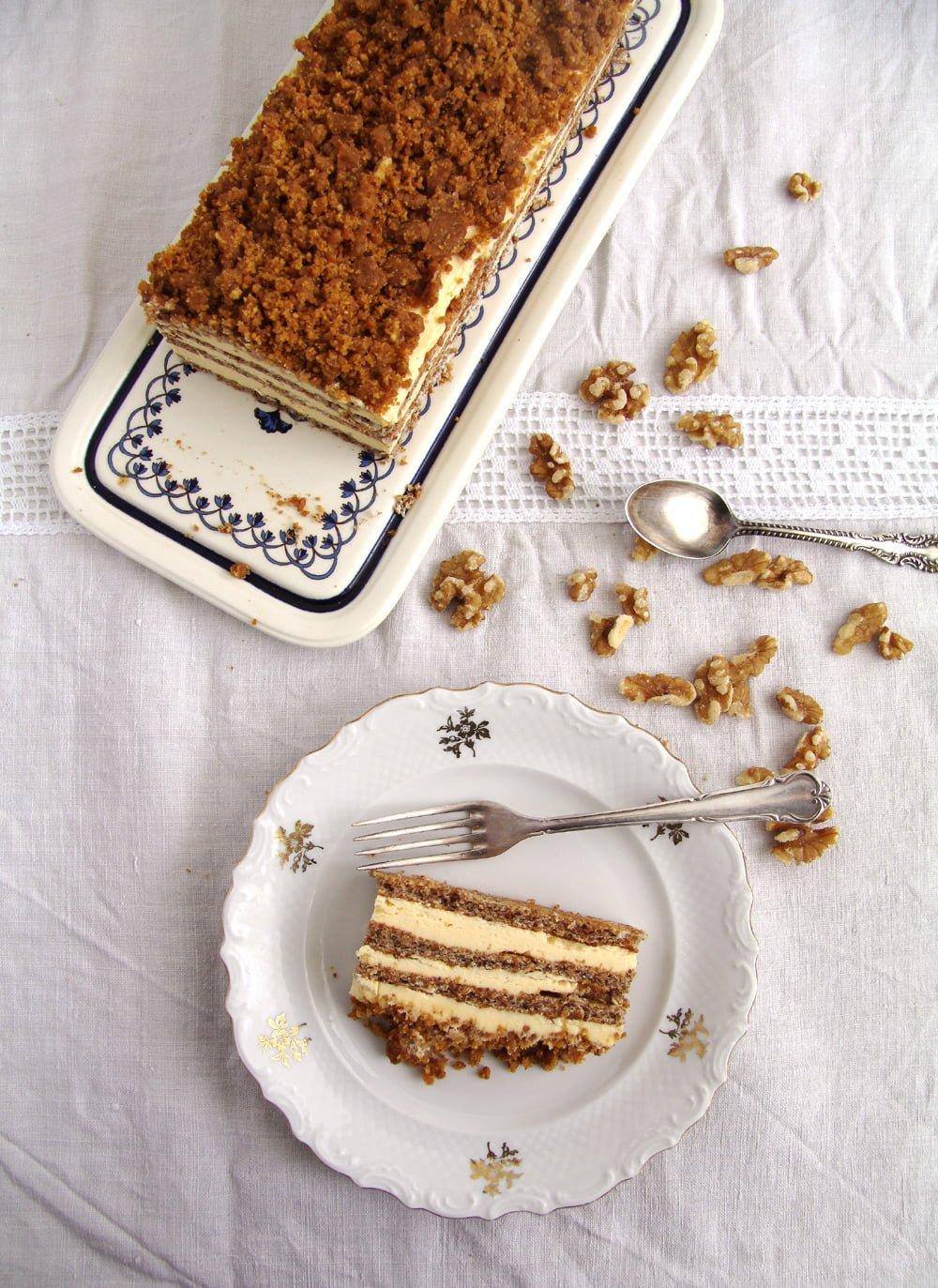 cake walnut buttercream Caramelized Walnuts Buttercream Cake