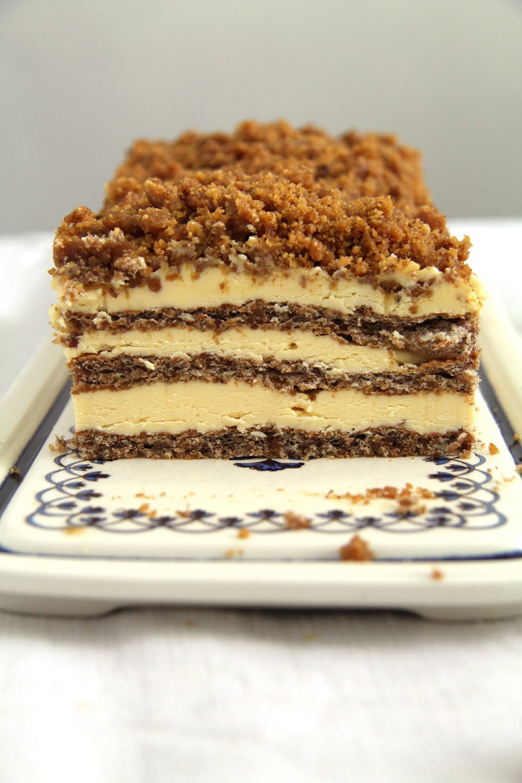 cake walnuts romanian Caramelized Walnuts Buttercream Cake