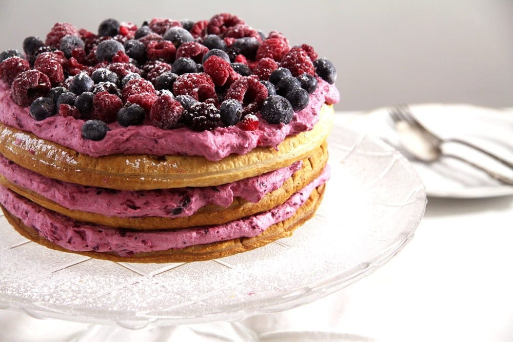 berry cake cream Easy Puff Pastry Cake with Berries and Cream