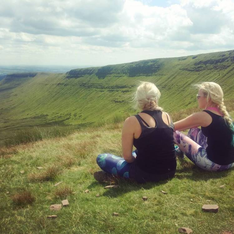 Ultimate UK road trip england scotland wales where is tara povey top irish travel blogger