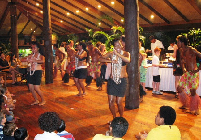 fiji things to do with kids - Traditional dancing at Outrigger on the Lagoon Resort