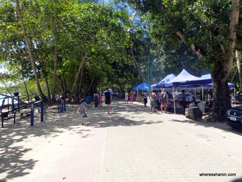 places of interest in seychelles beau vallon market stalls