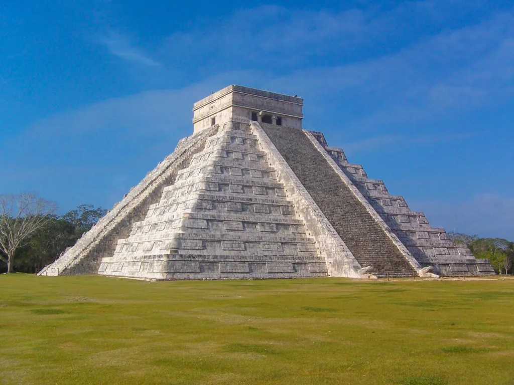 El Castillo, 10 story tall pyramid at Chichen Itza