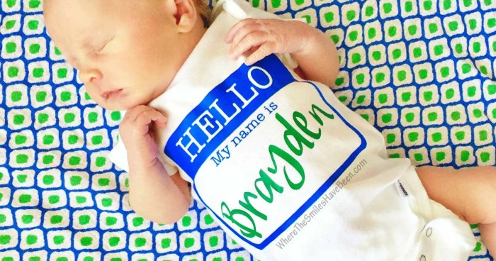 DIY 'Hello, My Name Is' Personalized Newborn Onesie + GIVEAWAY! | Where The Smiles Have Been