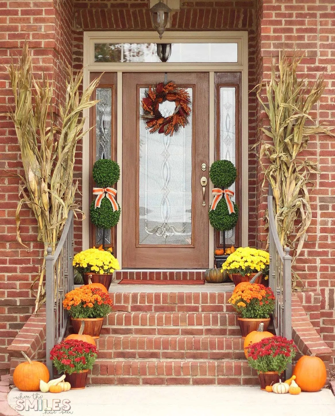 Fall front porch decor our happy harvest at home - Fall front porch ideas ...