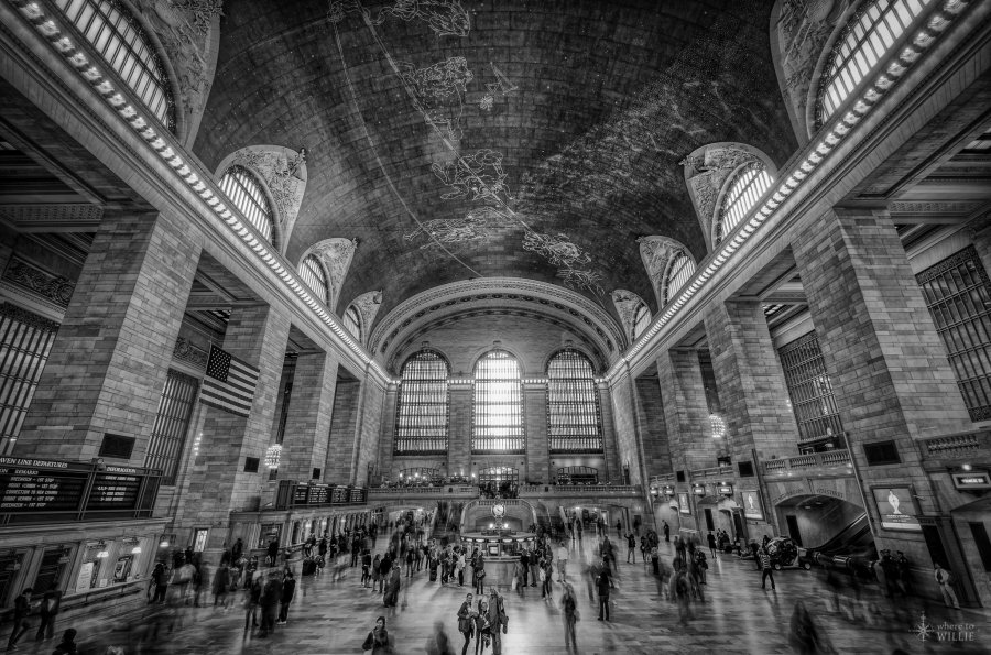 Waving Family Grand Central William Woodward