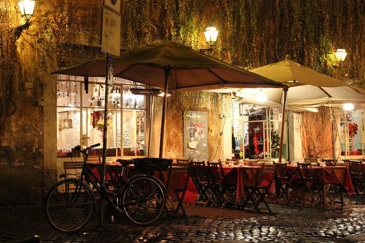 Piazza Nevona nearby