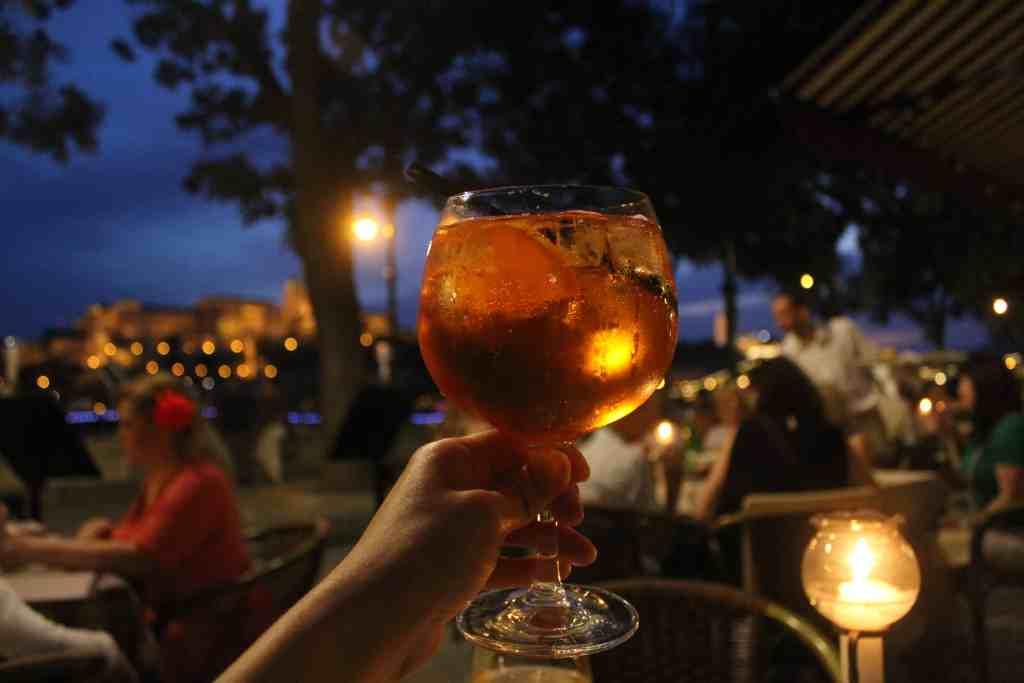 3 days in Budapest - Dubarry restaurant aperol spritz