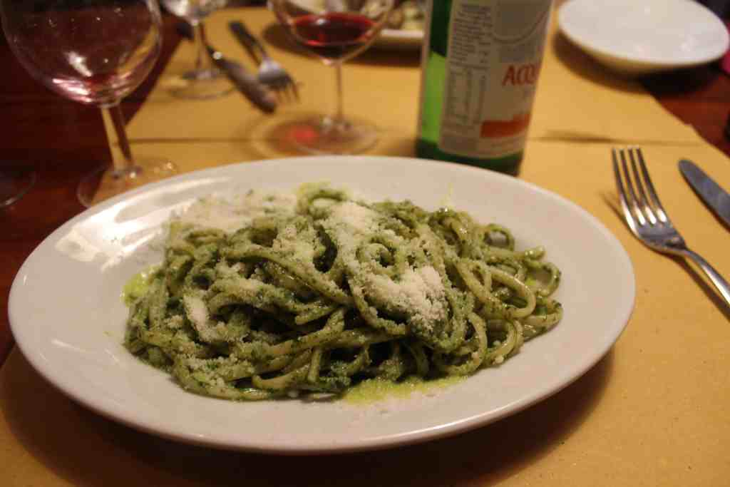 24 hours in Venice: Bavetto al Pesto
