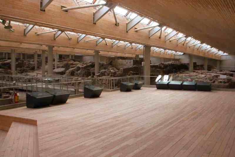 Inside Ancient Akrotiri