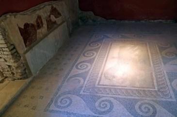Casa Romana Mosaic