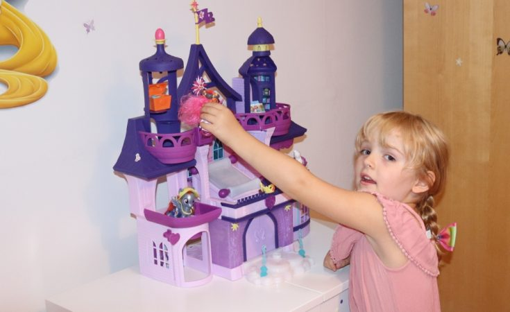 My Little Pony Twilight Sparkle Magical School Of Friendship Playset Review