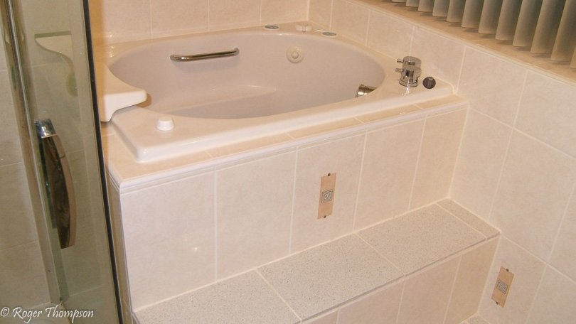 japanese style bath with steps