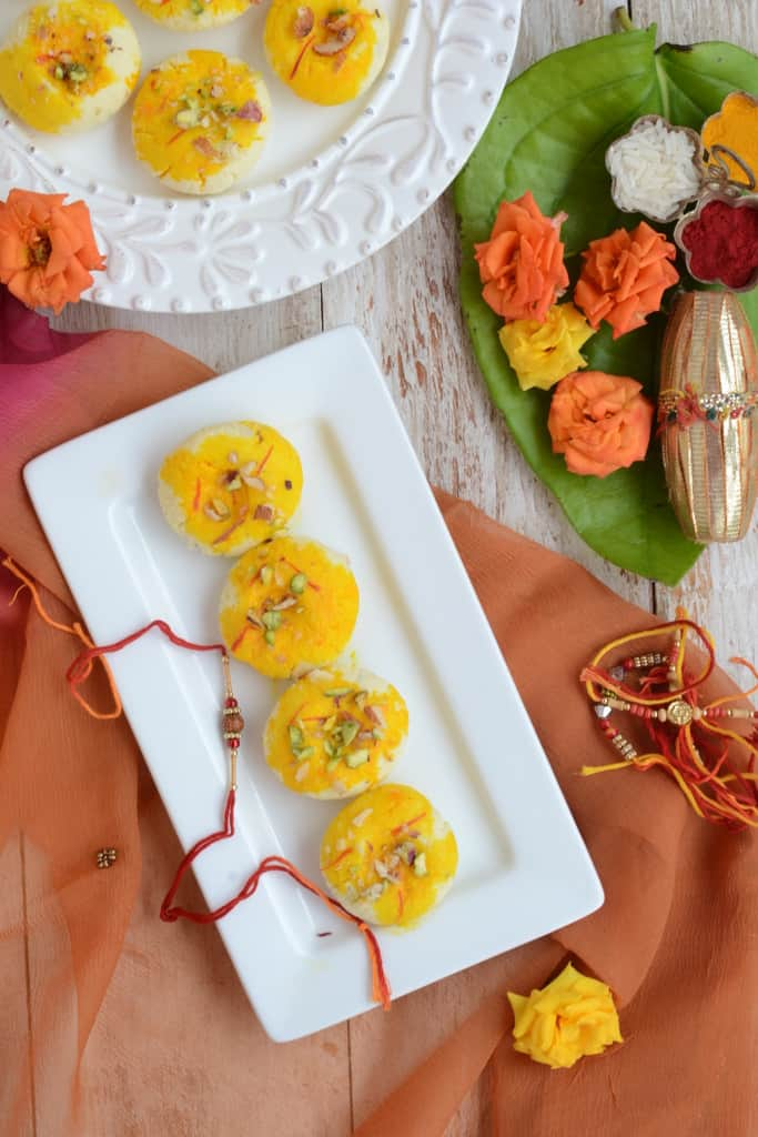A mildly flavored sweet from West Bengal, Kesari Sandesh is a quick and easy sweet dish, whose basic ingredient is milk.