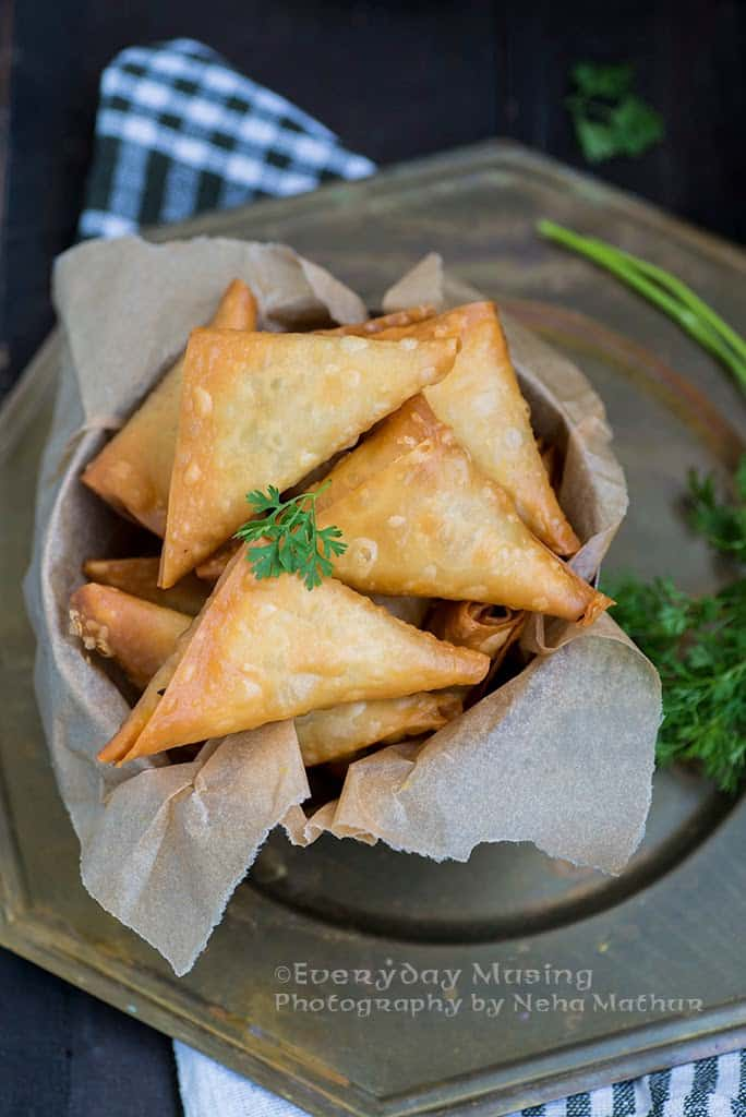Chicken-and-cheese-samosa-2