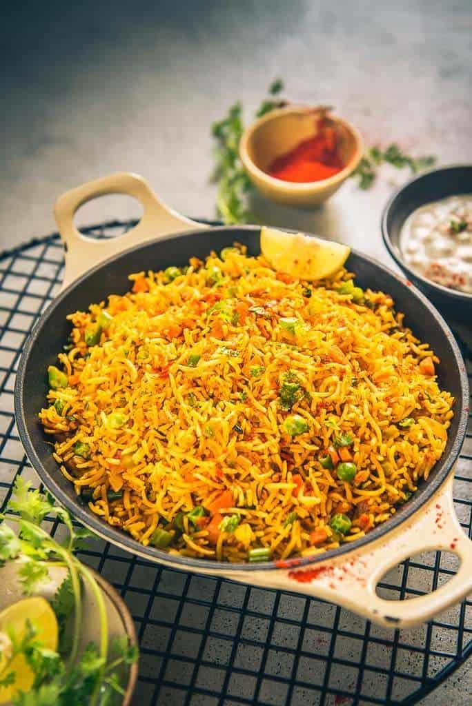Tawa Pulao Recipe (Mumbai Style Tawa Pulao)