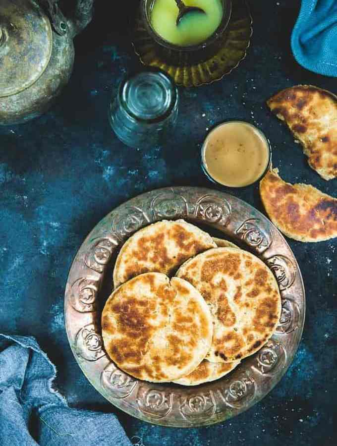 Roat Recipe is a Uttarakhand Style Sweet Flatbread which is subtly flavoured with fennel seeds and cardamom.