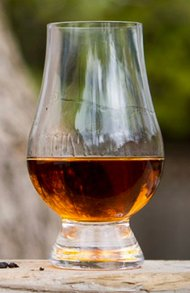 an image of a glass of aberlour a'bunadh whisky