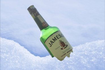 jameson-in-snow-composition