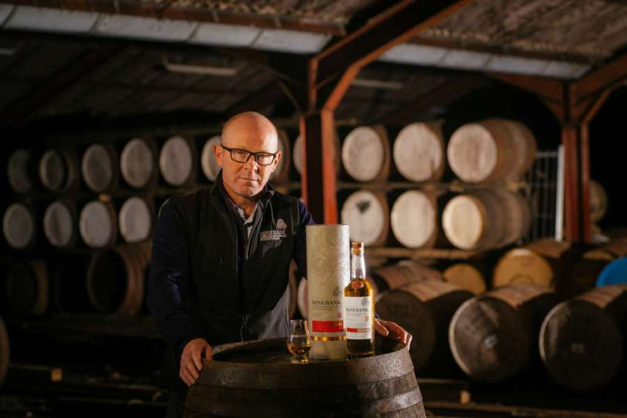 Robbie Hughes, Group Distillation Manager bei Ian Macleod Distillers