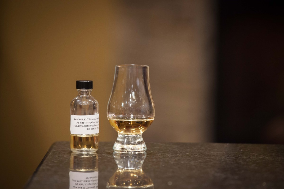 "SMWS 44.67 ""Charming chalice of cha-cha-cha"" (Craigellachie 25) Review"