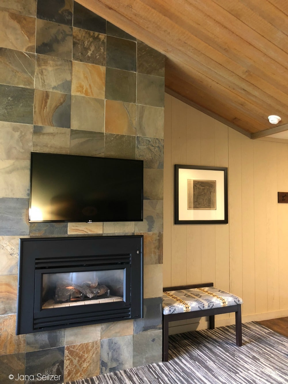 Salishan Resort room with fireplace