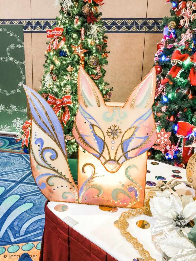 Disney Holidays 2019 resort decor
