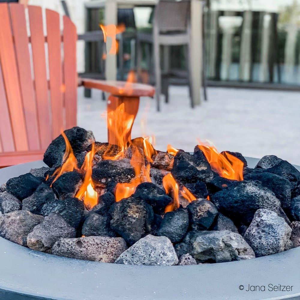 fire pit at michael jordan steakhouse fire pit