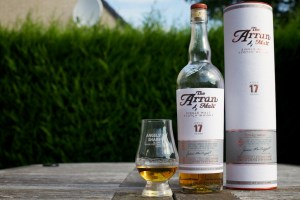 The Arran 17 Years Old bottle, cask, and dram